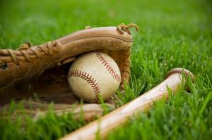 baseball_in_grass
