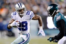 DeMarco Murray: NOT the product of an O-Line (Image from dallasnews.com)