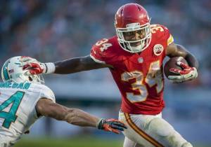 Knile Davis, king of the handcuffs (Image from kansascity.com)