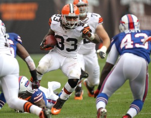 Cleveland Browns running back Trent Richardson looks for running room against the Buffalo Bills in the second quarter Sunday, September 23, 2012 at Cleveland Browns Stadium in Cleveland.  The Buffalo Bills won the game 24-14. (Joshua Gunter/ The Plain Dealer)