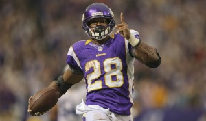 Adrian Peterson looks to put a tumultuous 2014 behind him. (Photo from sportsflex.blogspot.com)