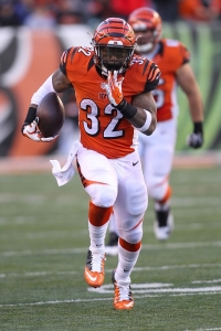 Expect big things out of Jeremy Hill Thursday night (Image from sportsworldnews.com)